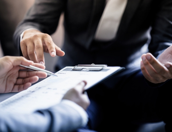 TOP 5 MYTHS ABOUT EMPLOYMENT AGREEMENTS